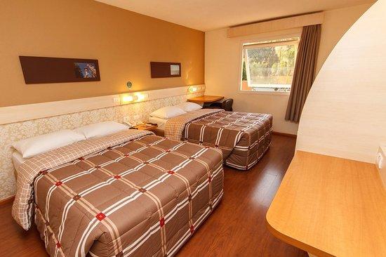 Hotel 10 Sao Leopoldo: Apartamentos com duas camas de casal