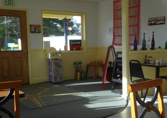 Anita's Coastal Cafe: Anita's Cafe Little Kids Play Area