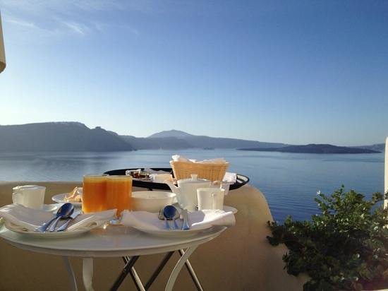 Pezoules: Breakfast on the Balcony