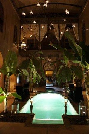 Riad Noir d'Ivoire: Hermoso patio interior.