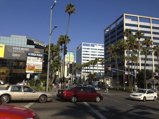 Hollywood La Brea Motel: hollywood boulevard appena fuori il motel