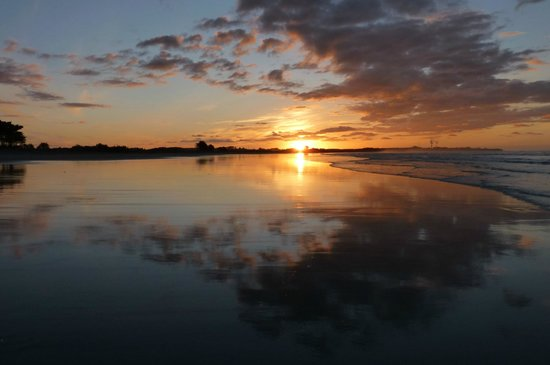Carters Beach Top 10 Holiday Park: Sunset on Carters Beach.