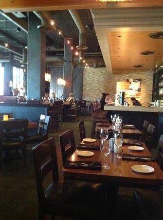 Paul Martin's American Bistro : The elegant bar area