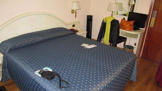 Hotel Villa Edy: La chambre