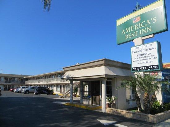 Knights Inn Anaheim: Hotel