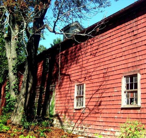 Ralph Waldo Emerson House: Barn on Emerson property