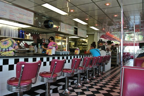 Kroll's Diner: Nostalgic Diner