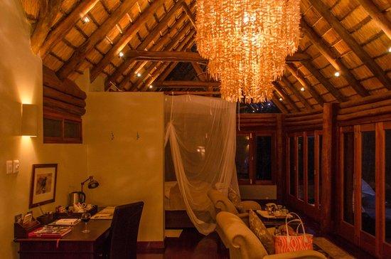 Royal Chundu Luxury Zambezi Lodges: Island Lodge Suite