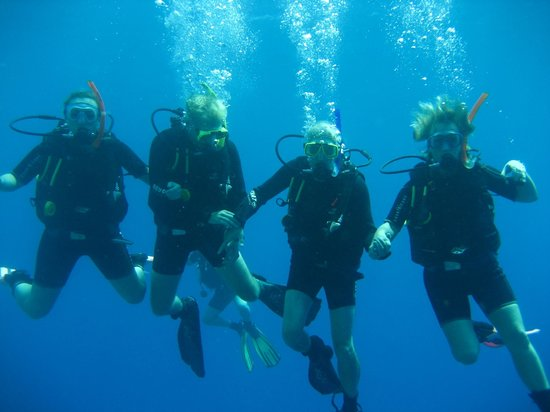 Sea Dancer Dive Center: best students ever - not!!