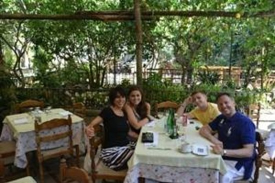 Best Rome Driver Private Tours: Lunch in Sorrento