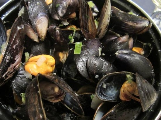 Georges - seafood: Mussels Gent's style