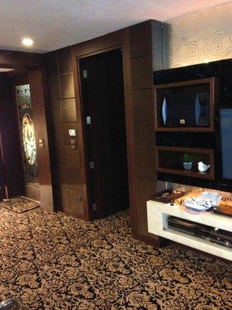 Maleewana Hotel & Resort: Wohnzimmer Suite VIP