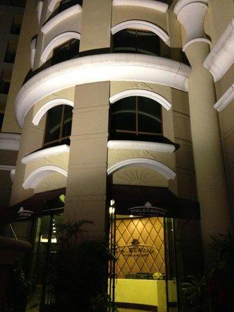 Maleewana Hotel & Resort: Abends angekommen beim Maleewana