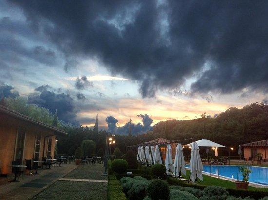 Il Piccolo Castello Hotel : Sunset with menace