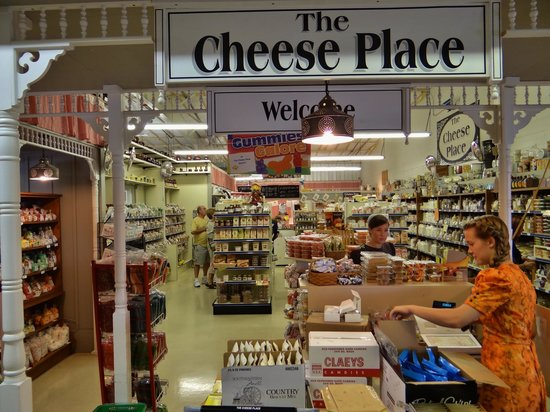 The Shops at Dayton Farmers Market: Excellent cheese & bulk food.