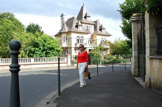Le Castel Guesthouse: Esterno