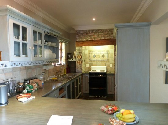 Fynbos Ridge Country House & Cottages: Well equipped kitchen
