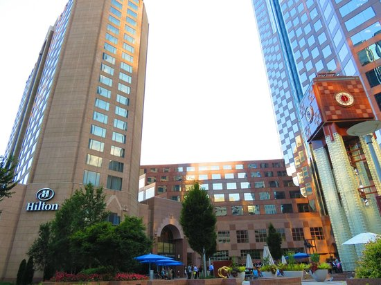 Hilton Charlotte Center City: Really centrally located