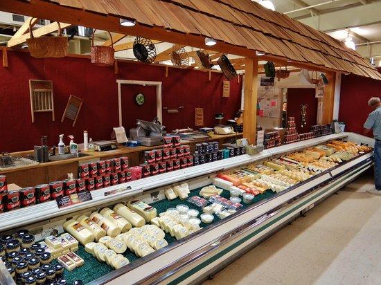 Shenandoah Heritage Market: Cheese selection at Grandma's Pantry!