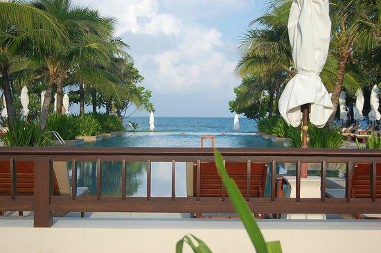 Layana Resort & Spa : zwembad om 7.00uur