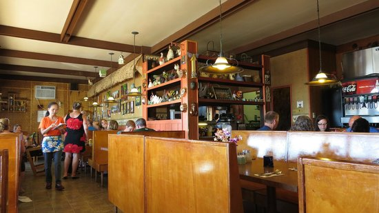 Kountry Kitchen: Inside the restuarant