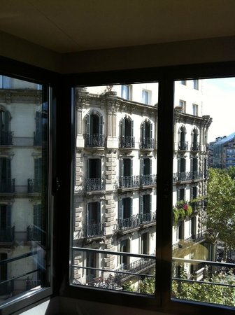 Hotel Omm: The view from our bay window.