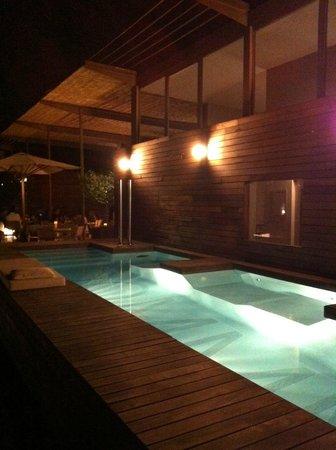 Hotel Omm: Spa pool.