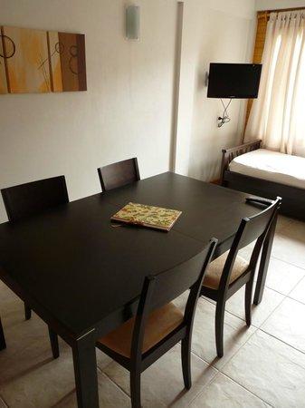 Apart Hotel Robles del Sur: Comedor