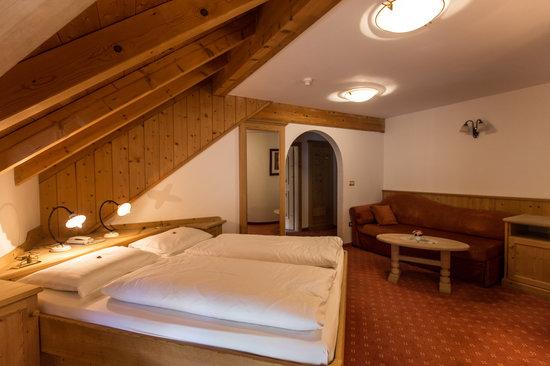 Hotel Corona Krone: Our Room