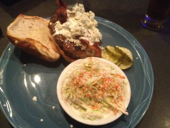 Granger's Grille : Bacon Bleucheeseburger with slaw