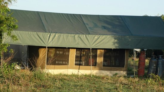 Ubuntu Camp, Asilia Africa: Plenty of wine!