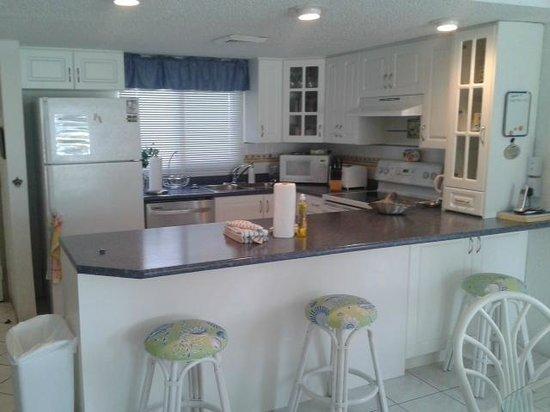 Sunset Cove: Kitchen