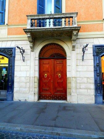 Piazza di Spagna View: Door to building (B&B is on top floor)