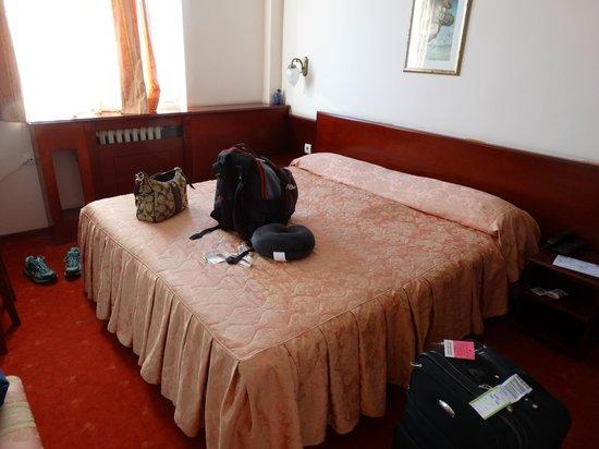 Hotel Palace: уютный номер, интернет быстрый но не стабильный