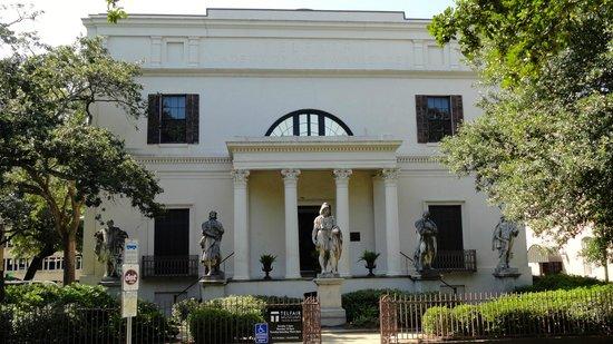 Telfair Museums Telfair Academy : Telfair Exterior