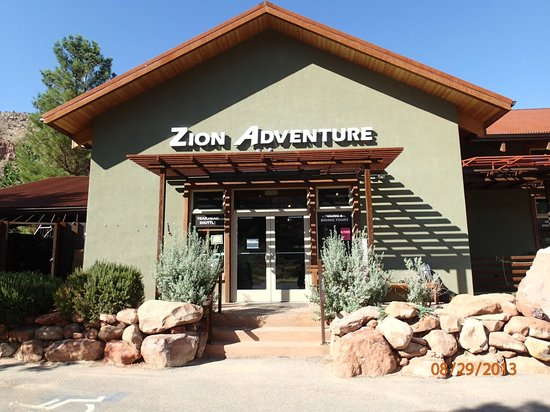 Zion Adventure Company : The front of the shop