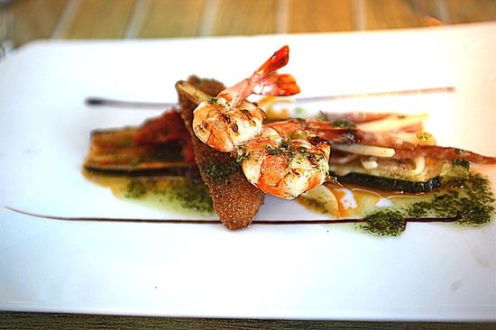 Le Martray : The prawn starter was very tasty.