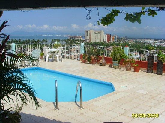 Terraza con alberca picture of jj 39 s suites puerto for Terrazas con alberca