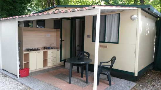 Camping Village Torre Pendente : 2 people caravan