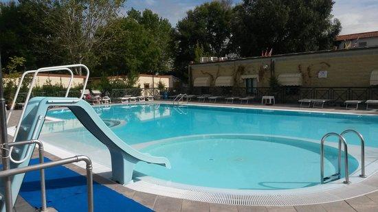 Camping Village Torre Pendente : pool