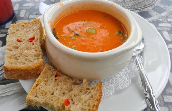 Sunflower Bakery and Cafe: delicious tomato soup