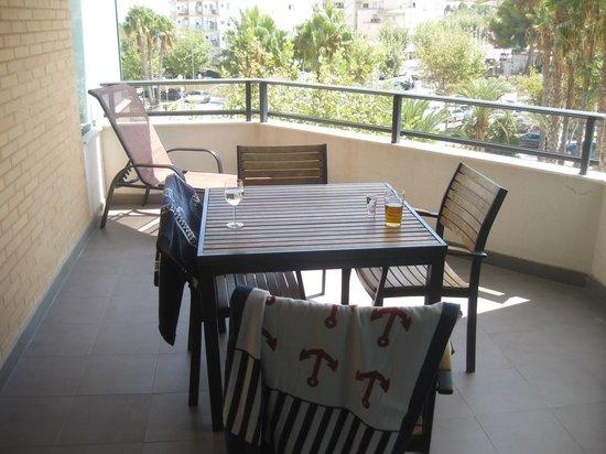 Boulevard Apartamentos Alfaz Playa Albir: Vår flotte terrasse