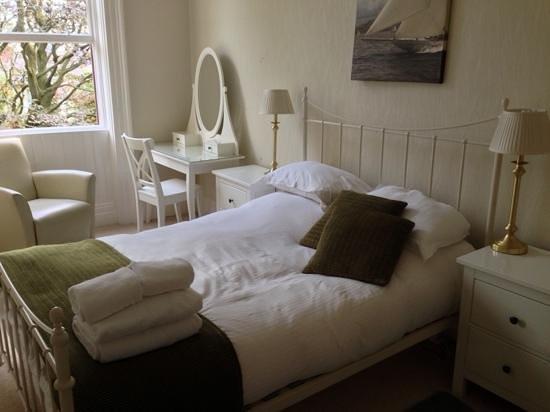 Victoria Apartments: the bedroom