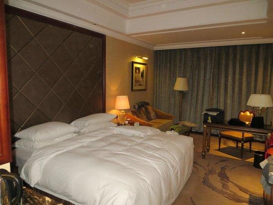 Grand Noble Hotel: Habitacion