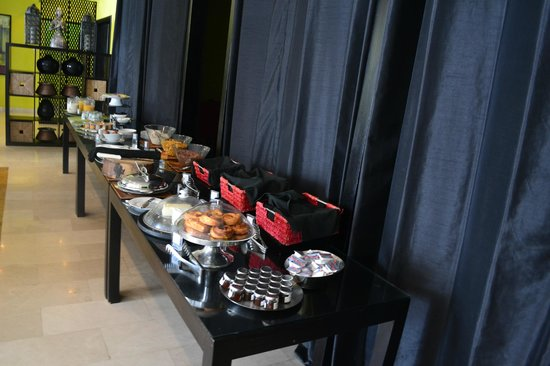Midan Hotel Suites, Muscat : the breakfast