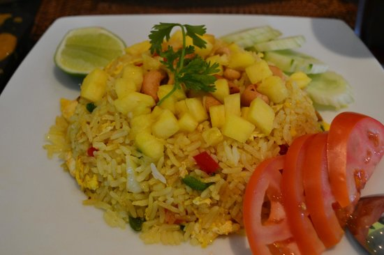 Midan Hotel Suites, Muscat: Fried rice