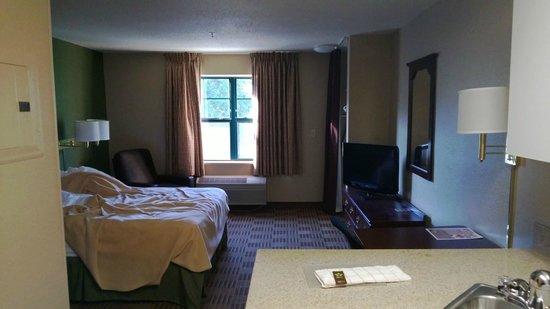 Extended Stay America - Columbia - Columbia Parkway: Bedroom area - 1 bedroom