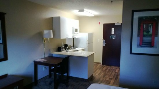 Extended Stay America - Columbia - Columbia Parkway: Kitchen area - 1 bedroom
