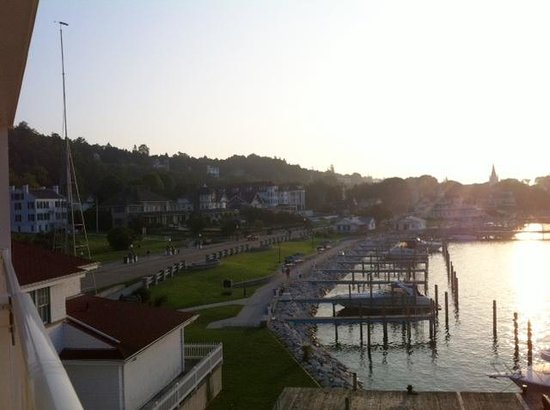 Chippewa Hotel Waterfront: lovely view from our balcony