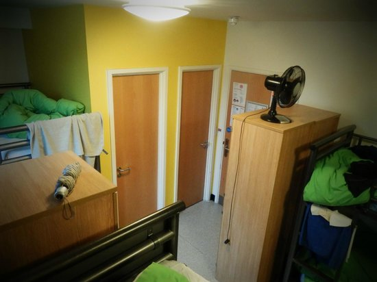 YHA London Central: 6 bedded room